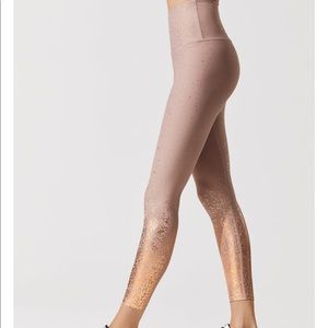 Beyond Yoga Alloy Ombré Brazen Blush leggings